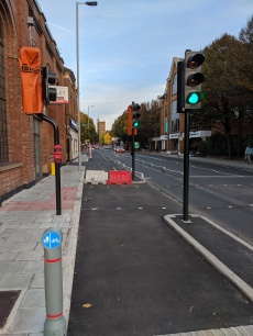 New segregated cycle path on London Road